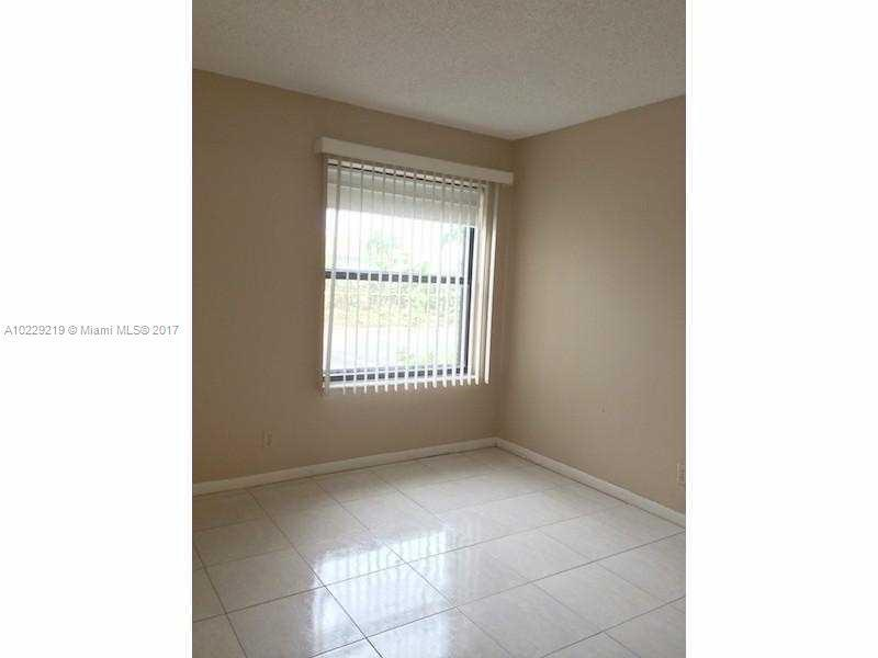 218  Lake Pointe Dr  Unit 103 Oakland Park, FL 33309-3581 MLS#A10229219 Image 12