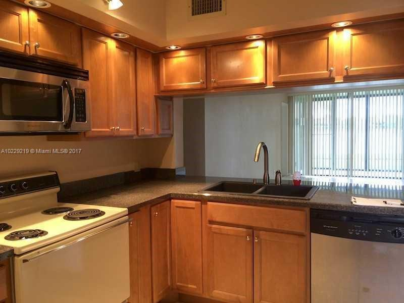 218  Lake Pointe Dr  Unit 103 Oakland Park, FL 33309-3581 MLS#A10229219 Image 4