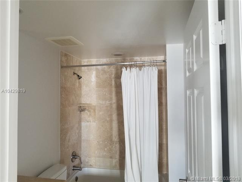 Imagen 23 de Residential Rental Florida>Hallandale>Broward      - Rent:2.100 US Dollar - codigo: A10429819