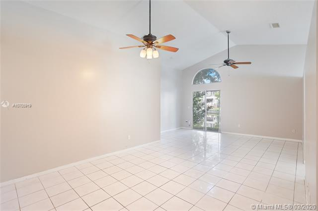 1363 W Glen Oak Rd, North Lauderdale, FL, 33068