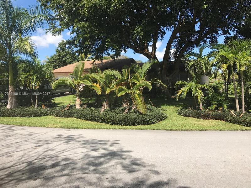 17601 91st Ave , Palmetto Bay, FL 33157