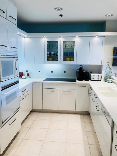 For Sale at  201   Crandon Blvd #927 Key Biscayne  FL 33149 - Key Colony - 2 bedroom 2 bath A10252686_3