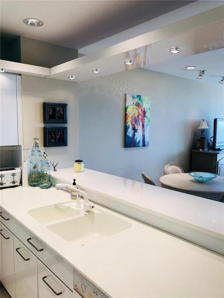 For Sale at  201   Crandon Blvd #927 Key Biscayne  FL 33149 - Key Colony - 2 bedroom 2 bath A10252686_4