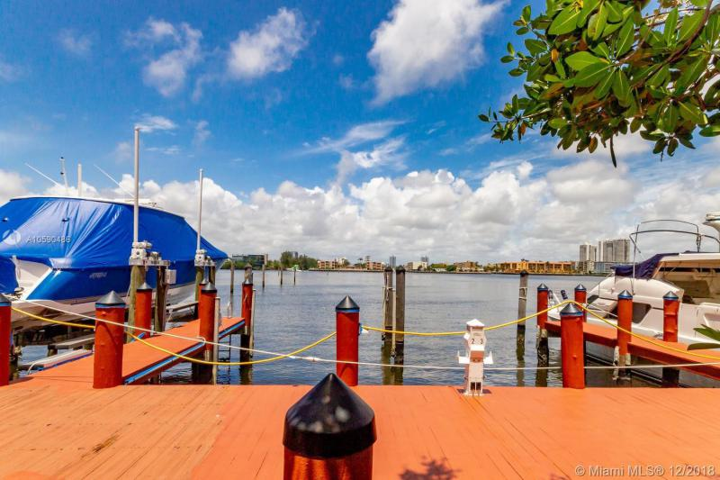 17050 N BAY RD 907, Sunny Isles Beach, FL, 33160
