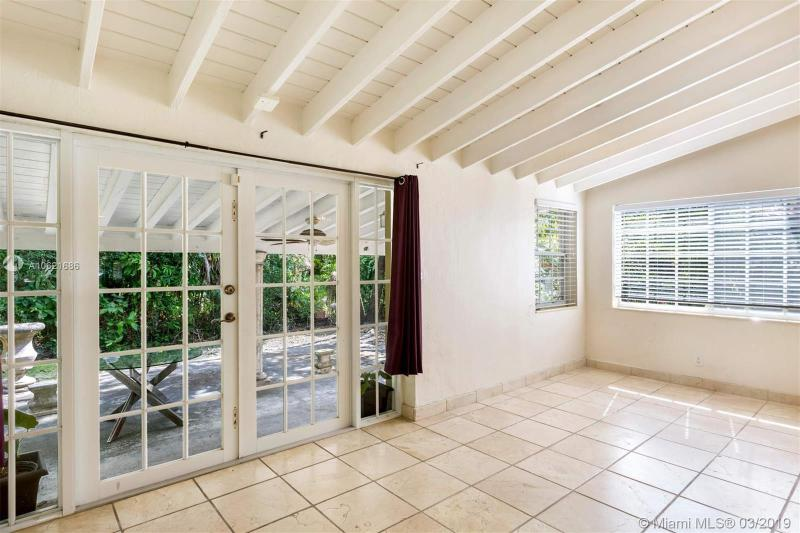 4911 Riviera Dr, Coral Gables, FL, 33146