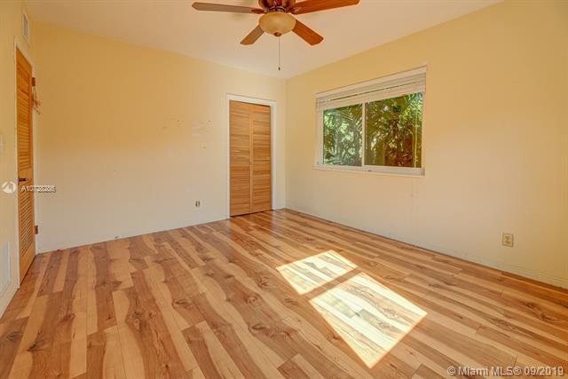 560 Raven Ave, Miami Springs, FL, 33166