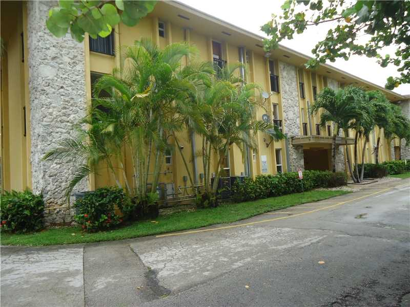 Miami Springs Condo/Villa/Co-op/Town Home A10164453