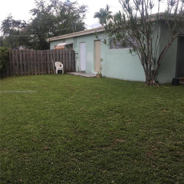 11720 SW 81st Rd  Pinecrest, FL 33156-4418 MLS#A10481953 Image 16