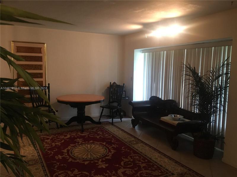 11720 SW 81st Rd  Pinecrest, FL 33156-4418 MLS#A10481953 Image 4