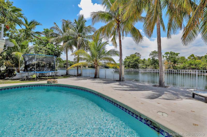 21430 NE 23rd Ave,  Miami, FL