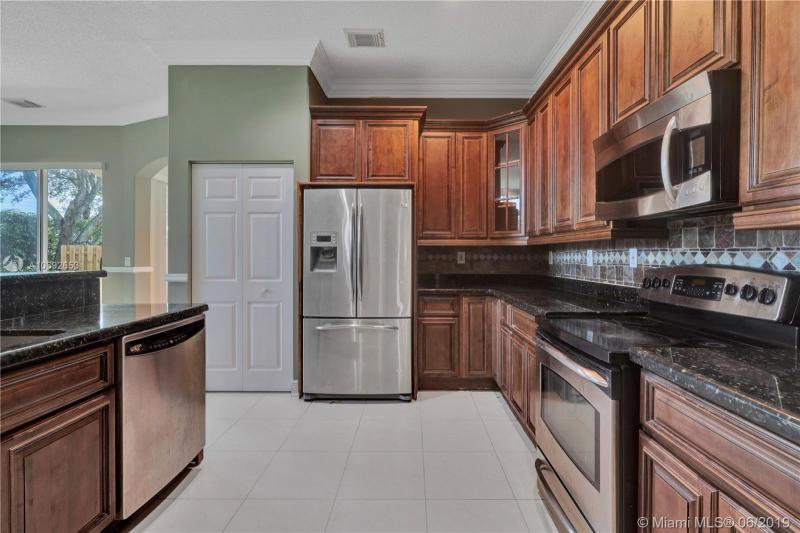 7715 NW 23rd St, Pembroke Pines, FL, 33024