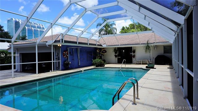 520  Melaleuca Ln,  Miami, FL