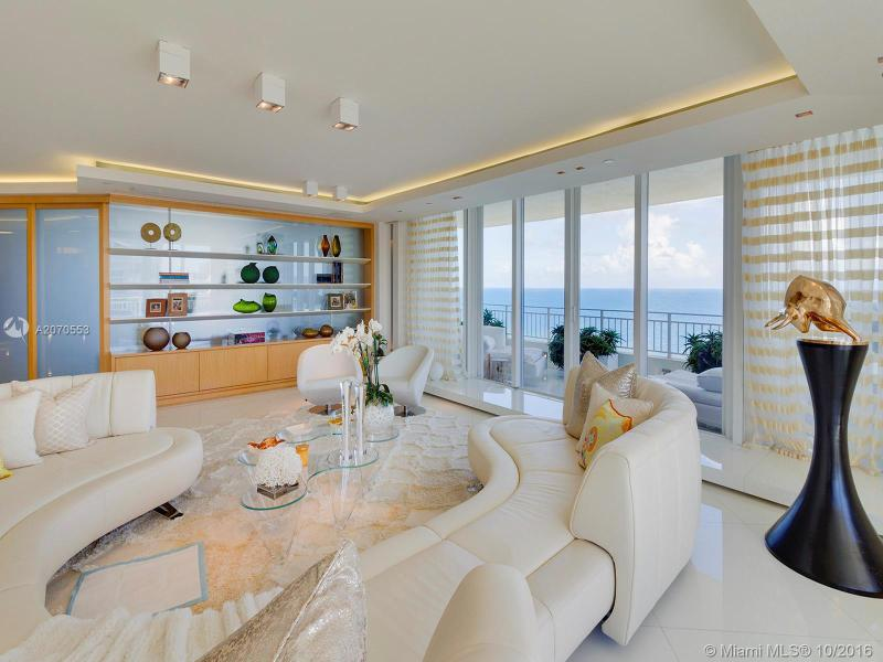 Key Biscayne Condo/Villa/Co-op/Town Home A2070553
