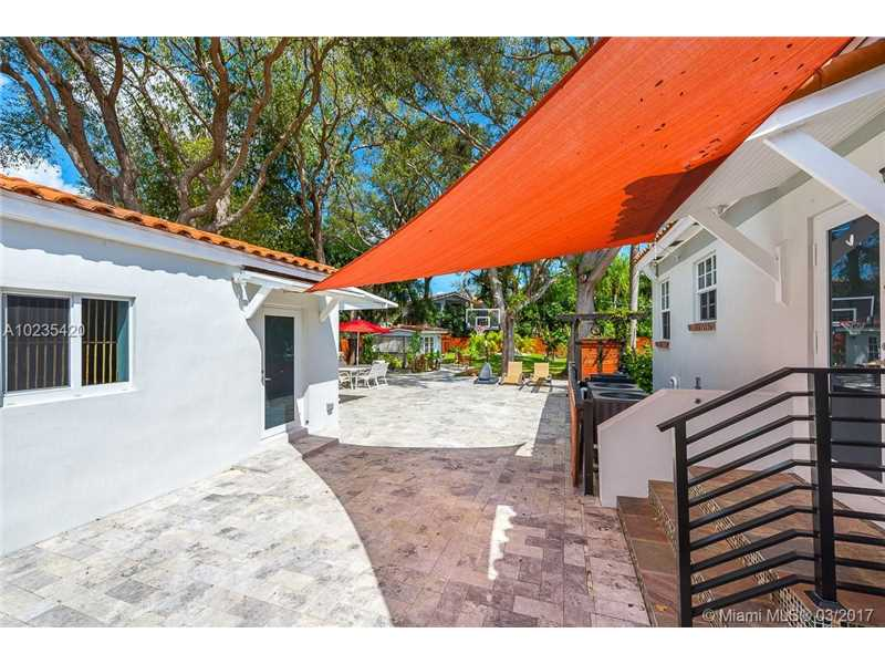 For Sale at  11063   Griffing Blvd Biscayne Park  FL 33161 - Griffing Biscayne Park Es - 4 bedroom 4 bath A10235420_10
