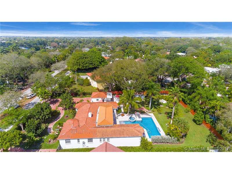 For Sale at  11063   Griffing Blvd Biscayne Park  FL 33161 - Griffing Biscayne Park Es - 4 bedroom 4 bath A10235420_19