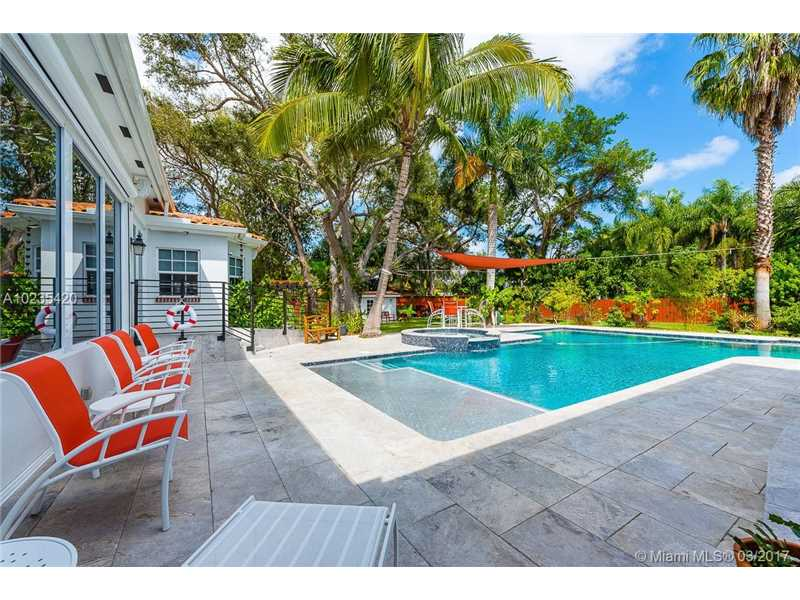 For Sale at  11063   Griffing Blvd Biscayne Park  FL 33161 - Griffing Biscayne Park Es - 4 bedroom 4 bath A10235420_7