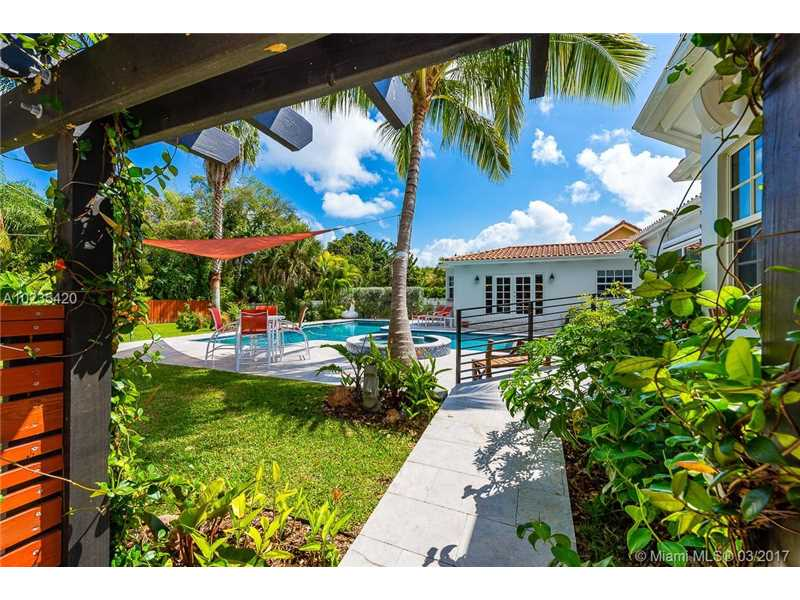 For Sale at  11063   Griffing Blvd Biscayne Park  FL 33161 - Griffing Biscayne Park Es - 4 bedroom 4 bath A10235420_9