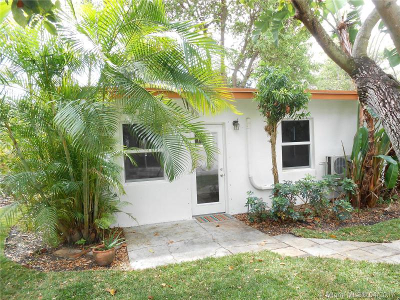 For Sale at  54 NW 106Th St Miami Shores  FL 33150 - Dunnings Miami Shores Ext - 3 bedroom 2 bath A10243520_16