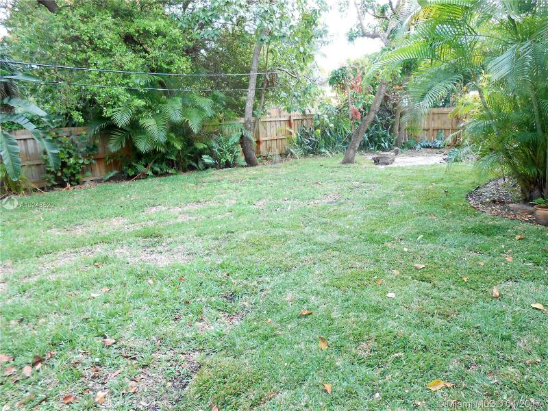 For Sale at  54 NW 106Th St Miami Shores  FL 33150 - Dunnings Miami Shores Ext - 3 bedroom 2 bath A10243520_22