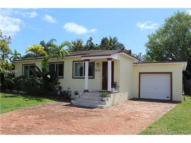 For Sale at  470 NE 128Th St North Miami  FL 33161 - Griffing Biscayne Park Es - 3 bedroom 1 bath A10250020_23
