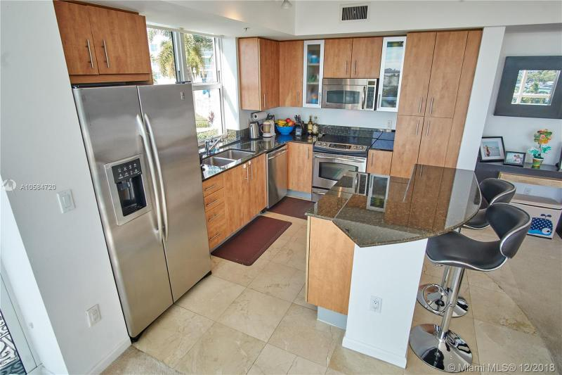 7900 Harbor Island Dr 613, North Bay Village, FL, 33141