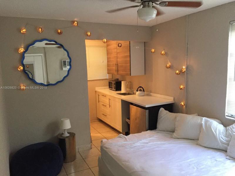 485  Brickell Ave  Unit 1705, Miami, FL 33131-2733