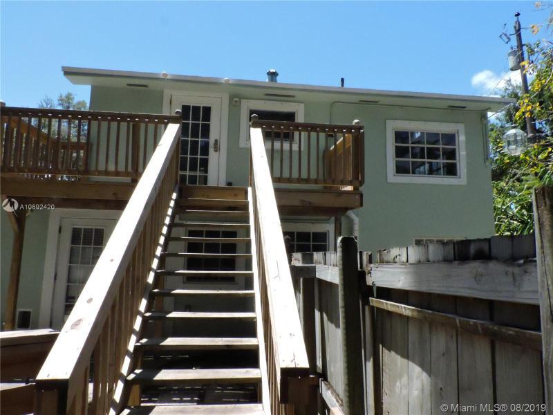 242 SW 8th St, Dania Beach, FL, 33004