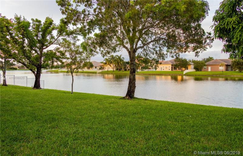 1245 NW 140th Ter, Pembroke Pines, FL, 33028