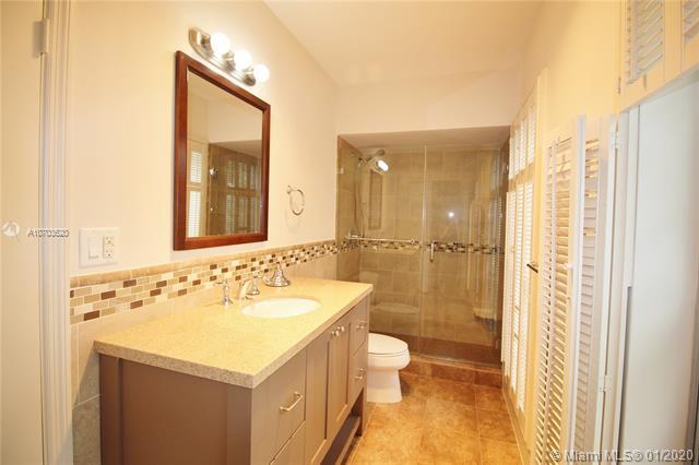 1265 S Alhambra Cir B, Coral Gables, FL, 33146