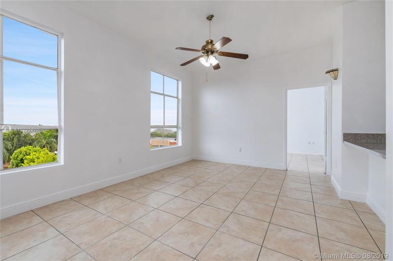 7420 W 20th Ave 450, Hialeah, FL, 33016