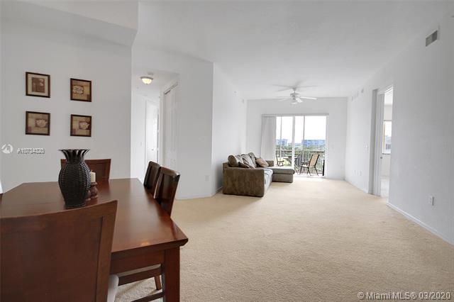 3600  Oaks Clubhouse Dr,  Pompano Beach, FL