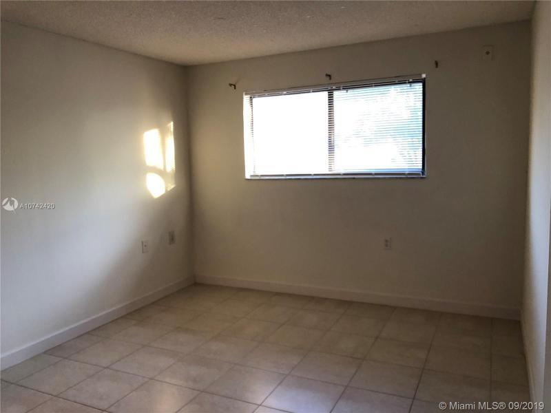 7140 NW 179th St 204, Hialeah, FL, 33015