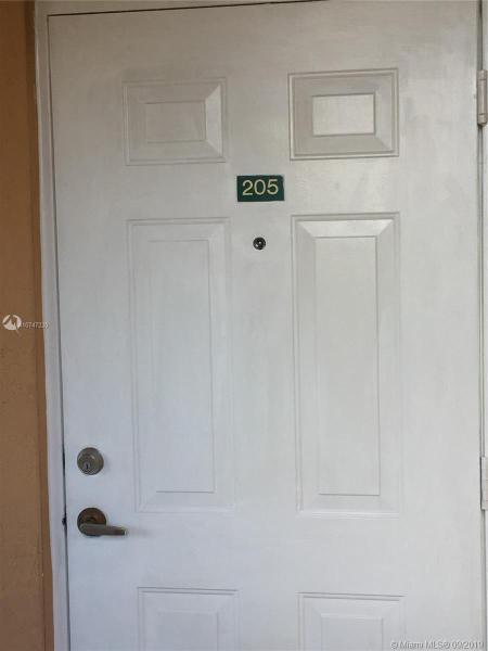 7200 NW 177th St 205-7, Hialeah, FL, 33015