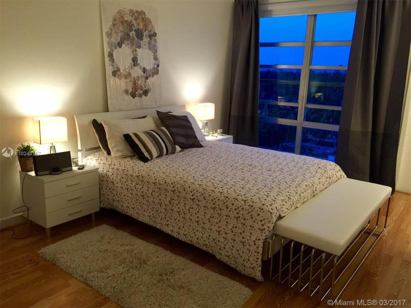 For Sale at  9800 W Bay Harbor Dr #612 Bay Harbor Islands  FL 33154 - Guildford - 1 bedroom 1 bath A10240187_12