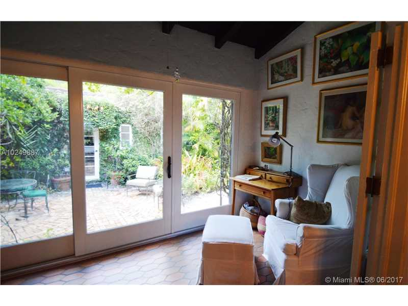 For Sale at  547   Navarre Ave Coral Gables  FL 33134 - Coral Gables Sec B - 3 bedroom 2 bath A10249887_13