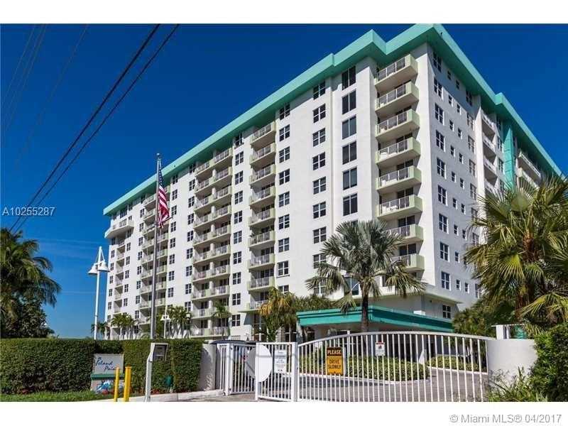 For Sale at  10350 W Bay Harbor Dr #4B Bay Harbor Islands  FL 33154 - Island Pointe Conds - 1 bedroom 1 bath A10255287_4