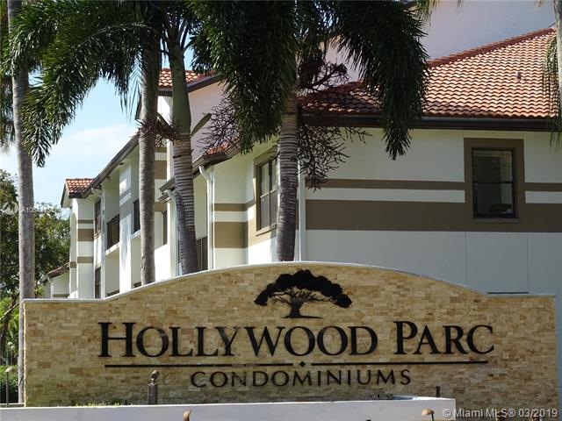 550 S Park Rd  Unit 38, Hollywood, FL 33021-8598