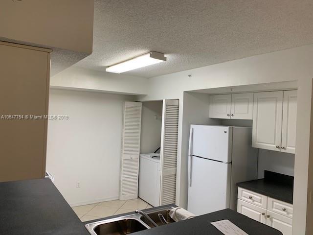 9650 NW 2nd St  Unit 4, Pembroke Pines, FL 33024-6283