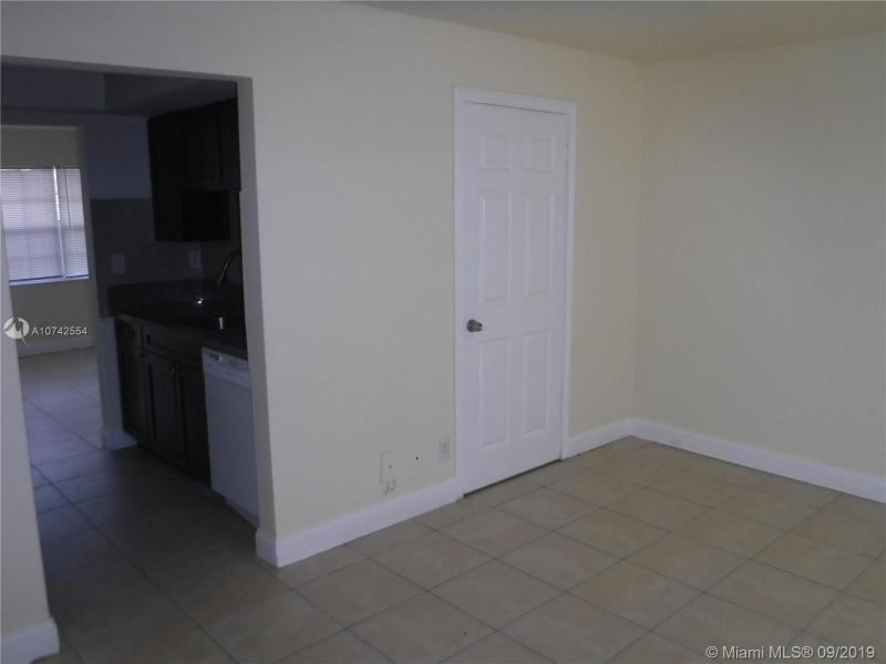 4100 NW 16th Ave 20, Oakland Park, FL, 33309