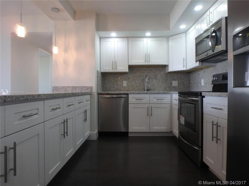 For Sale at 2801 NE 183Rd St #706W Aventura  FL 33160 - Admirals Port - 2 bedroom 2 bath A10255221_1