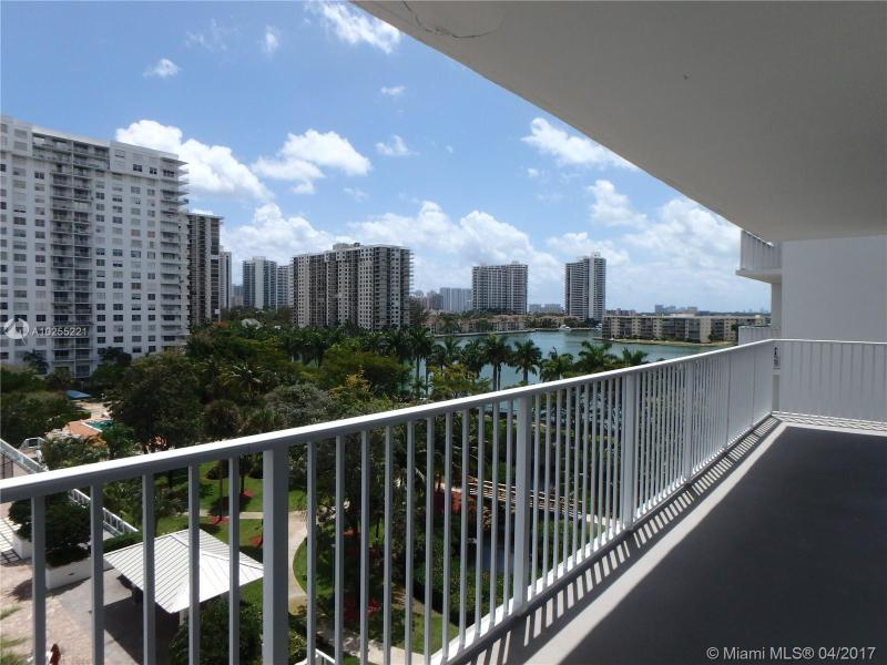For Sale at  2801 NE 183Rd St #706W Aventura  FL 33160 - Admirals Port - 2 bedroom 2 bath A10255221_14