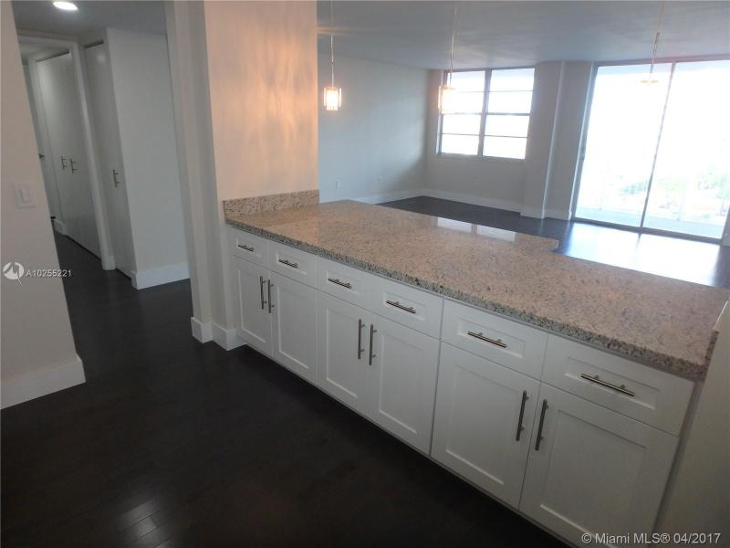 For Sale at  2801 NE 183Rd St #706W Aventura  FL 33160 - Admirals Port - 2 bedroom 2 bath A10255221_5