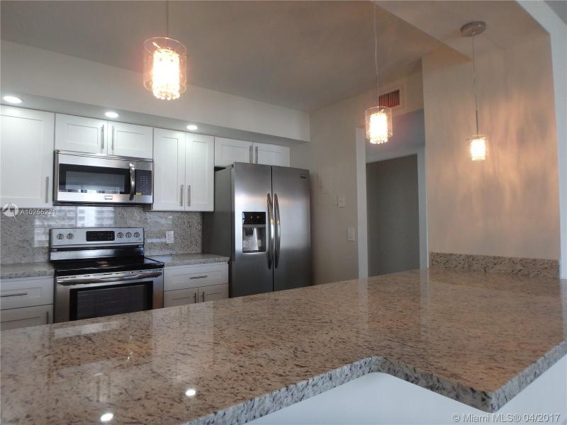 For Sale at  2801 NE 183Rd St #706W Aventura  FL 33160 - Admirals Port - 2 bedroom 2 bath A10255221_6