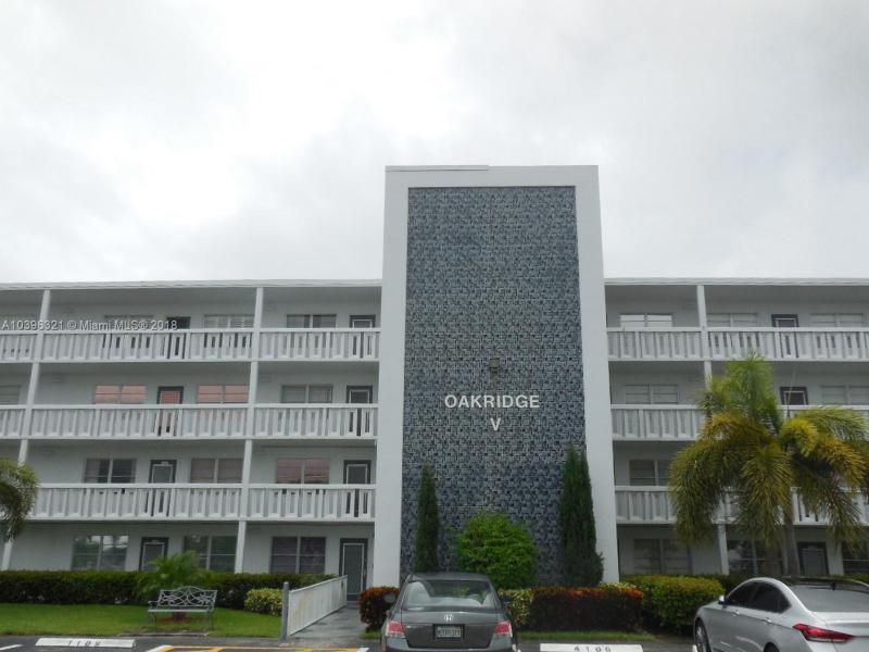 OAKRIDGE V CONDO Century Villa