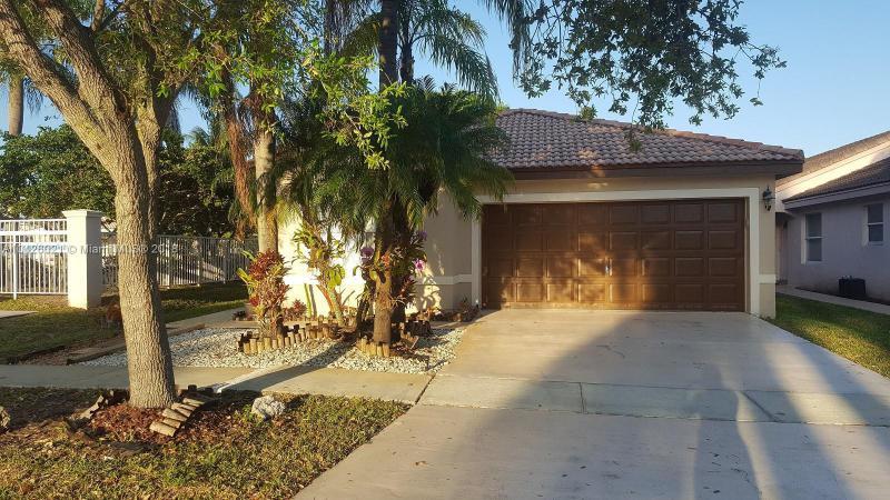 2607 SW 177th Ave,  Miramar, FL