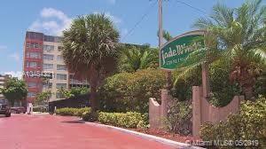 20311 NE 2nd Ave , Miami, FL 33179-2331