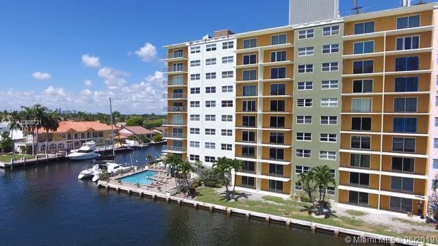 2900 NE 30th St,  Fort Lauderdale, FL