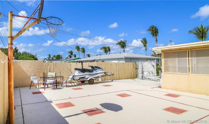 301 W 22nd St, Riviera Beach, FL, 33404