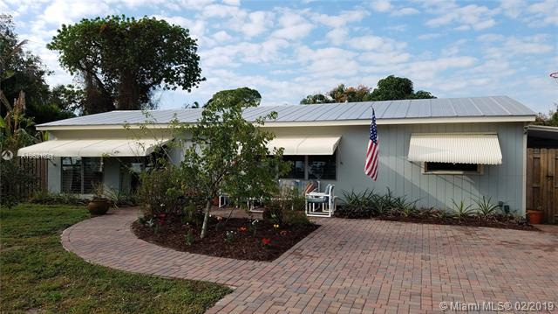 8415 Boxwood Lane, Hobe Sound FL 33455-