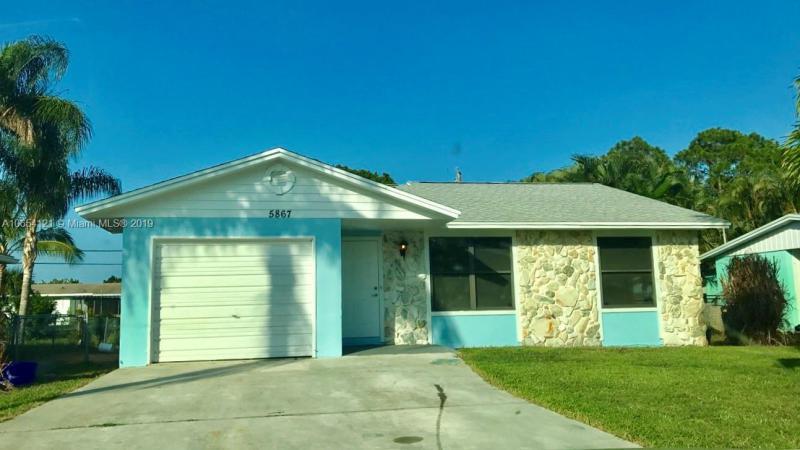 1348 NW Charlie Green Dr , Stuart, FL 34994-1052